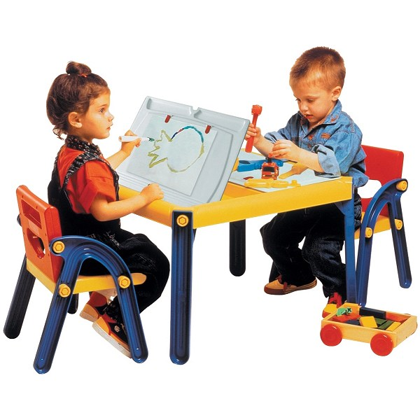 kids_kit_table_and_chairs